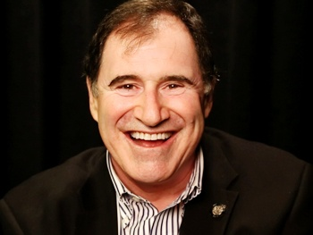Which Three Things Bring Out the Competitive Side of The Big Knife's Richard Kind?