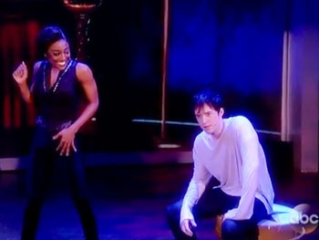 On the Right Track! Watch Pippin Stars Patina Miller & Matthew James Thomas Team Up on The View
