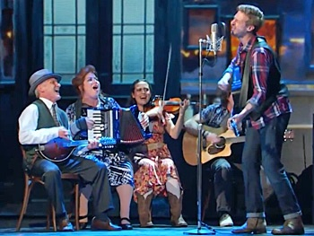 Watch the Broadway Stars of Once Busk at the 2013 Tony Awards