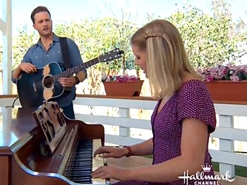 Watch <i>Once</i> Tour Stars Stuart Ward & Dani de Waal Perform 'Falling Slowly' on <i>Home & Family</i>