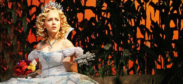 Wicked's Alli Mauzey Loves Being Glinda the Good
