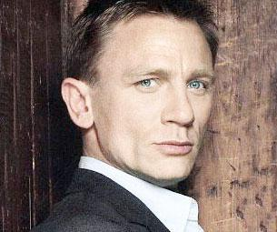 Daniel Craig Visits Live With Regis and Kelly