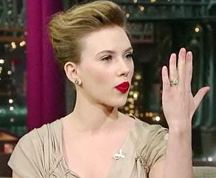 Spit Take! View Star Scarlett Johansson Dishes on Liev and Loogies on Letterman