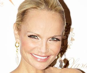 Kristin Chenoweth on Winning Her Tony... In a Wig!