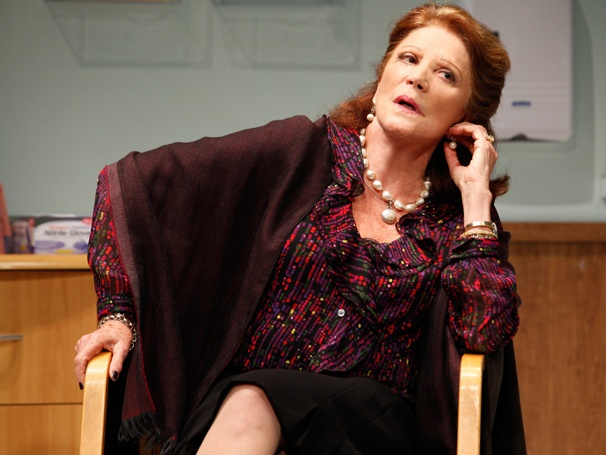 The Lyons' Linda Lavin Talks Departing Other Desert Cities and Admiring Jennifer Aniston