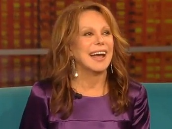 Relatively Speaking's Marlo Thomas Shares Her Love of Broadway, Charity and Husband Phil Donahue on The View