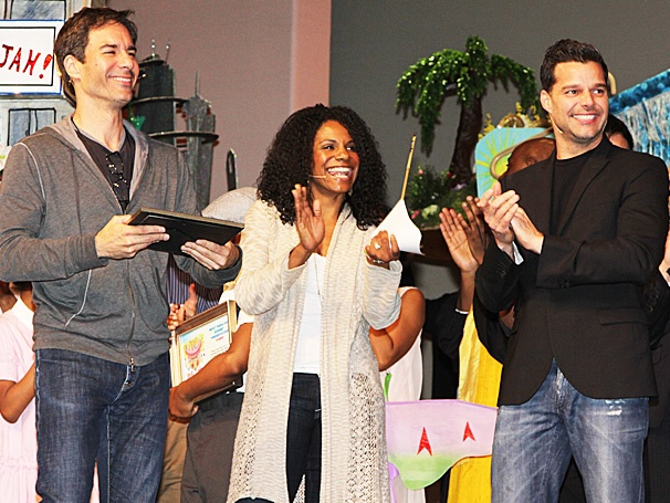  Nick Jonas, Ricky Martin, Audra McDonald & More Celebrate at Easter Bonnet Competition