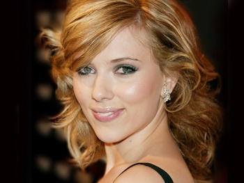 Meow! Cat on a Hot Tin Roof Star Scarlett Johansson is Starting an All-Girl Band