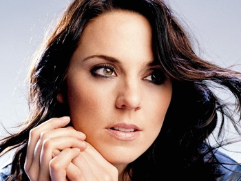 Spice Girl Mel C Would Love to Play Evita on Broadway; Previews New Musical Theater Album 