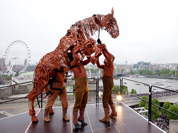 War Horse Star Puppet Takes to the Roof of London's National Theatre to Salute the Queen's Diamond Jubilee