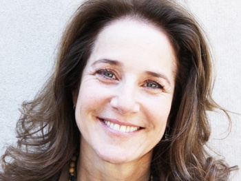 Debra Winger to Make Broadway Debut Opposite Patti LuPone in David Mamet's The Anarchist