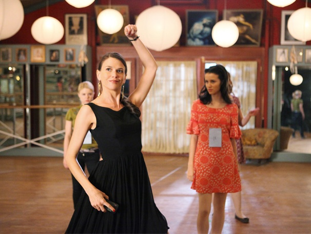 Barre Hopping: Sutton Foster Gets Hitched on the Series Premiere of Bunheads