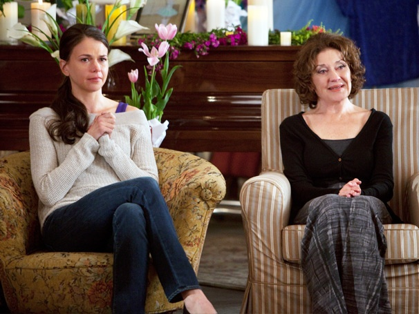 Barre Hopping: Sutton Foster Copes With Devastating News on Bunheads