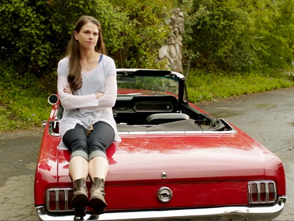 Barre Hopping: Sutton Foster Has a Run-In With the Law on Bunheads
