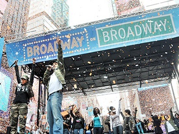 Return of Outdoor Concert Broadway on Broadway Sets September Date