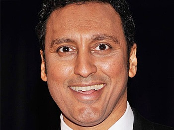 Disgraced, Starring Aasif Mandvi, Begins Performances Off-Broadway