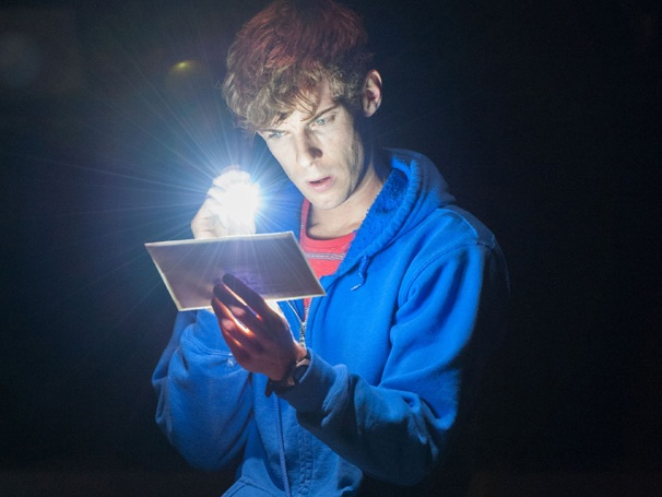 The Curious Incident of the Dog in the Night-Time Transfers to London's Apollo Theatre