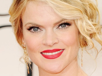 Missi Pyle Signs Up for Secret Service on 1600 Penn