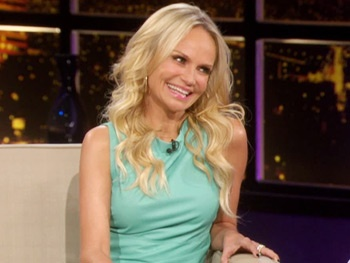 Chuy vs. Cheno! Kristin Chenoweth Compares Her Weight Class with Chelsea Handler's Sidekick
