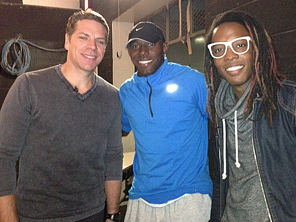 Green Bay Packers Wide Receiver Donald Driver Goes Blue with the Guys of Blue Man Group