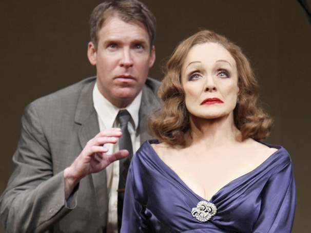 Valerie Harper & Brian Hutchison to Reprise Broadway Roles for National Tour of Looped