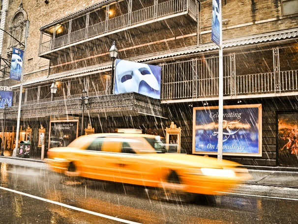 Take a Look at These 10 Gorgeous Photos of Broadway as Snowpocalypse 2013 Descends