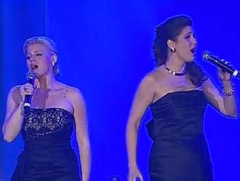 Watch Megan Hilty & Stephanie J. Block Reunite to Perform Wickeds For Good