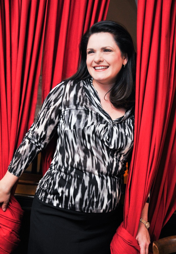 Phantom Prima Donna Michele McConnell on 40-Pound Dresses, Makeup Tricks & Her Broadway Break