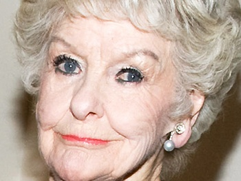 Elaine Stritch is Packing Her Bags for Michigan and Playing a Farewell Concert at the Cafe Carlyle