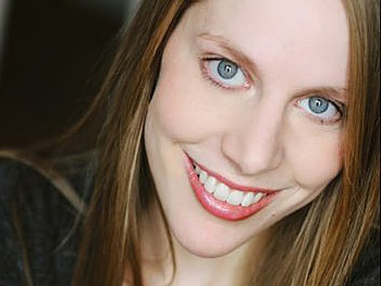 Upright Citizens Brigade's Abby Rosebrock to Star in Her Self-Penned Comedy Different Animals Off-Broadway 