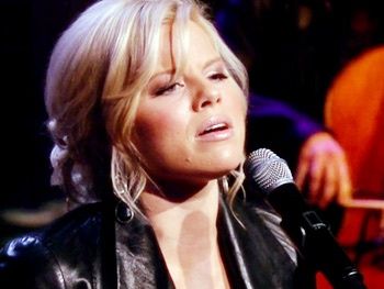 Watch Smash's Megan Hilty Sing 'No Cure' from Her Debut Album It Happens All the Time