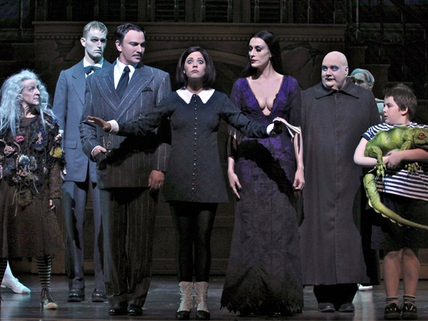 The Addams Family, Starring Douglas Sills and Sara Gettelfinger, Garners Scarily Good Reviews in Chicago
