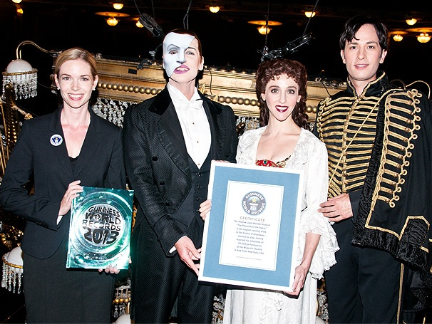 Bravissimi! The Cast of Phantom Enters the 2013 Guinness Book of World Records