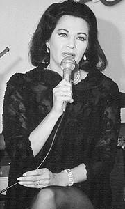 Yvonne De Carlo dead