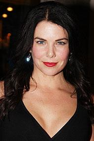Gilmore Girls Star Lauren Graham Tapped for Guys and Dolls