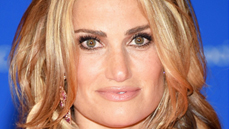 Odds & Ends: Idina Menzel Moves in With New Beau & More