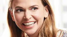 Sutton Foster Learns About Hookup Apps, #ToplessTuesday & More in <i>Younger</i> Two-Part Premiere