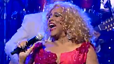 Watch Broadway Alum Darlene Love Bring Holiday Cheer to David Letterman & <i>Late Show</i> One Final Time