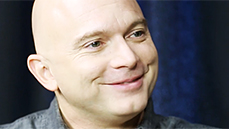 Michael Cerveris on Apologizing to P. Diddy, Showering For <I>Fun Home</I> Research & Watching <I>Nashville</I> in a Wig