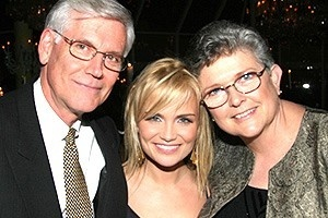 Wicked Opening - Dad - Kristin Chenoweth - Mom