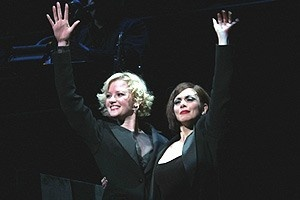 Gretchen Mol Chicago Curtain - Gretchen Mol - Donna Marie Asbury (wave)