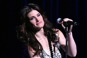 Photo Op - Idina Menzel at Madison Square Garden - Idina Menzel 2