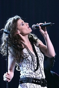 Photo Op - Idina Menzel at Madison Square Garden - Idina Menzel 7