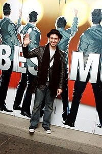 Photo Op - John Lloyd Young Leaves Jersey Boys -  John Lloyd Young (waves)