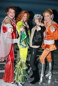 Photo Op - Miley Cyrus at Mamma Mia! - Gina Ferrall - Carolee Carmello - Miley Cyrus - Judy McLane