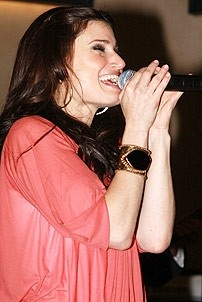 Idina Menzel at Virgin - Idina sings 2