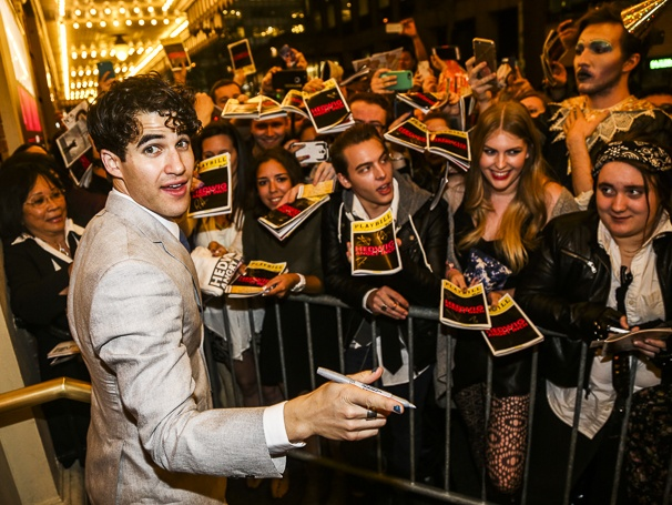 whatamidoingwithmylife - Pics and gifs of Darren in Hedwig and the Angry Inch on Broadway. 10.210680