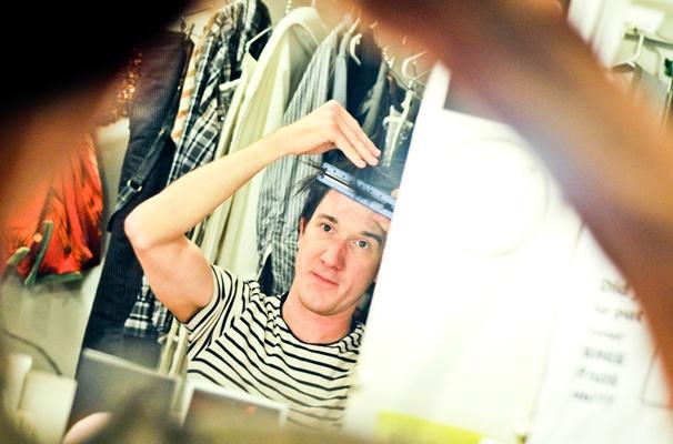Starcatcher-Backstage-Carson Elrod