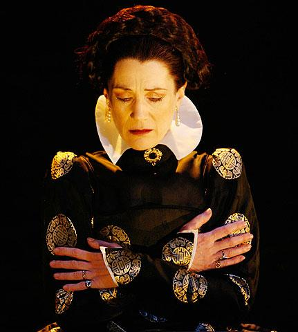 Mary Stuart - Show Photo - Harriet Walker