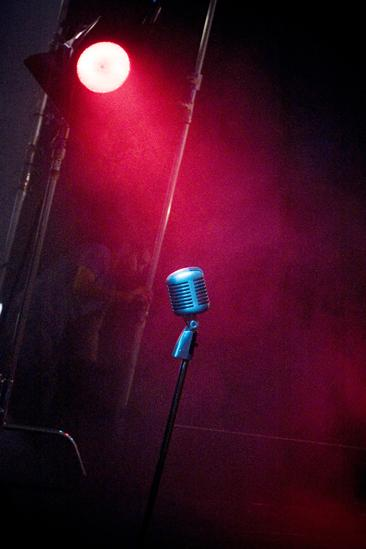 Memphis Promo Shoot - mic